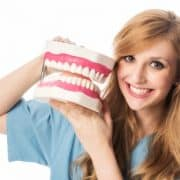 Zahnarzt Michail Golmann sucht eine ZMF